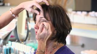How to Apply a Dramatic Look for Eyes Over 50 : Makeup & Beauty Tips