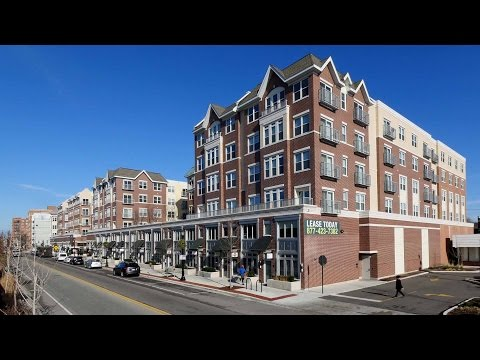 Short-term furnished apartments at AMLI Evanston