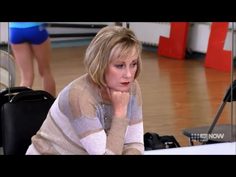 Dance Moms - Cathy Doesn't Think Kendall Is As Good As The Others (S2 E18)