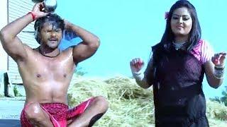 खेसारी लाल और अंजना सिंह एक साथ नहाते हुवे पकड़े गये | Bhojpuri Movie Comedy Scene