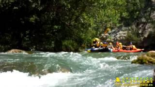 preview picture of video 'Kayak en el río Mijares con Ayahuasca Aventuras [HD] 27/07/13 Turno de mañana'