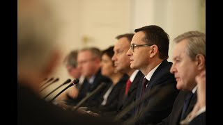 Mateusz Morawiecki podczas posiedzenia Rady Gabinetowej