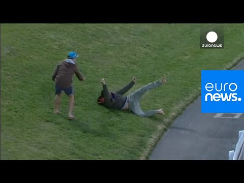 Cricket fan makes incredible $4000 catch