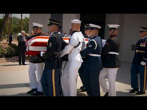 Συγκίνηση στην κηδεία του Τζον Μακέιν
