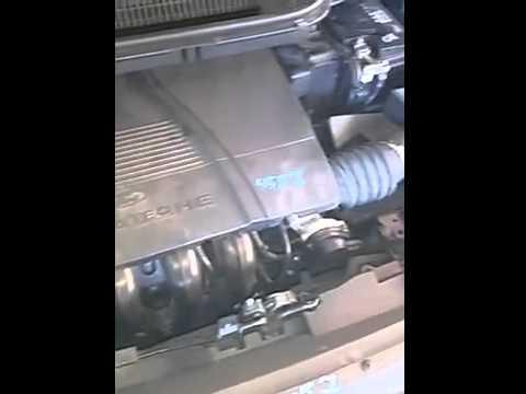 Das Benzin aus dem Tank nissan almera der Klassiker zusammenzuziehen