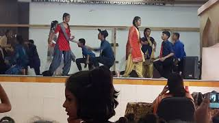 Tera rang balle balle R A U B S English high school dance competition