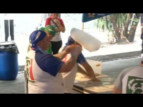 العرب اليوم - شاهد:طهاة أرجنتينيون يدخلون موسوعة غينيس