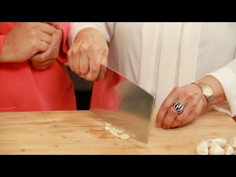 How to Use a Chinese Cleaver Knife