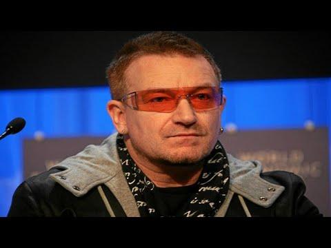 العرب اليوم - شاهد: لحظة فقدان مغني الروك الشهير بونو صوته فجأة على المسرح