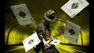 Самые быстрые рабочие в мире: Китайский упаковщик игральных карт