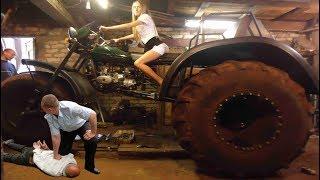 Мотоцикл Урал переломал все заборы в деревне.