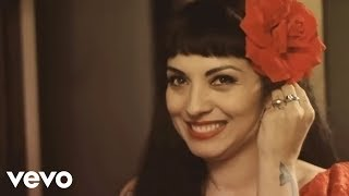 Mon Laferte   Mi Buen Amor (Video Oficial) Ft. Enrique Bunbury