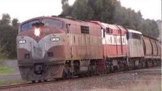 preview picture of video 'El Zorro grain train through Hamilton'
