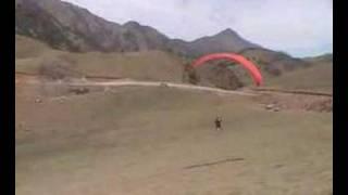 preview picture of video 'Crash parapente Tafi del Valle'