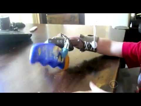 Father Makes Son's Hand with $10 - Amazing!