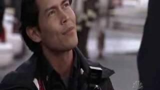 Extrait (la demande en mariage de Carlos à Holly) - VO