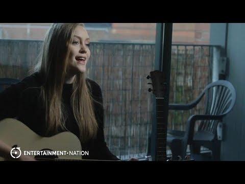 Katie Lee - Acoustic Guitarist