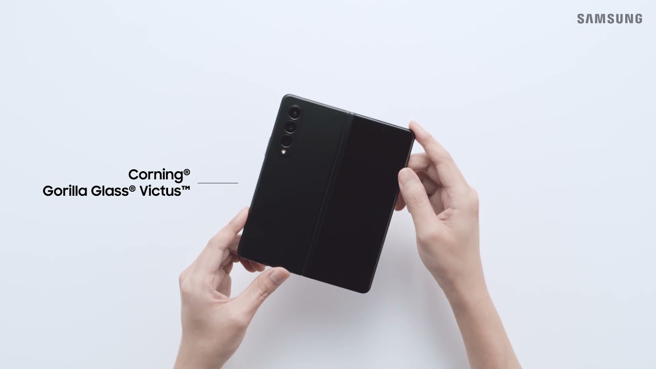 Samsung Galaxy Z Fold 3 F926B 12/256GB Phantom Silver (SM-F926BZSDSEK) video preview