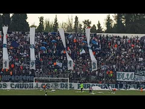 """""""Himno Nacional/ La Banda Leprosa ya llego. Club Sportivo Independiente Rivadavia vs Sarmiento."""" Barra: Los Caudillos del Parque • Club: Independiente Rivadavia"""