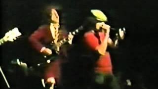 AC/DC - Hells Bells live at Tokyo 81 (better audio)