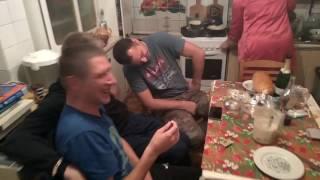 Вася проиграл в карты