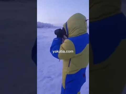 Российский миллиардер искупался в речке в Оймяконе в -50°