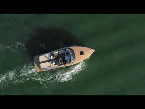 Canard Yachts eMotion 36 video