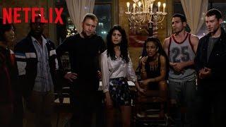 """Featurette Netflix Saison 2 """"Les Coulisses"""" (VOSTFR)"""