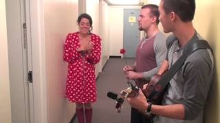 ☺ Serenading Beautiful University People With A Rose & A Guitar (UBC)