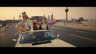 Musik-Video-Miniaturansicht zu Sway With Me Songtext von Saweetie & GALXARA