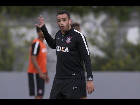 Crise no Corinthians? Renato Augusto responde