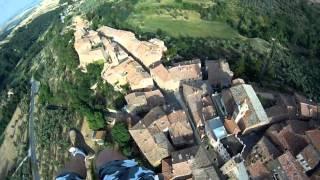 preview picture of video 'Volo in val'asso, crete, asciano.divx'