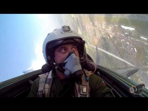 Imagenes sorprendentes grabadas desde el interior de un avión de combate MIG-29