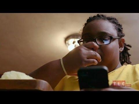 Comme le stimulant agit sur les jeunes filles de vidéo