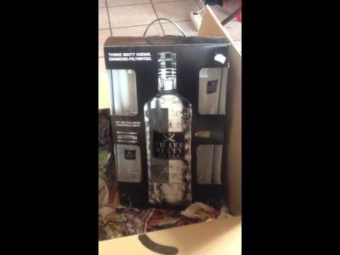 Mein erster Three Sixty Vodka 3 Liter wird ausgepackt