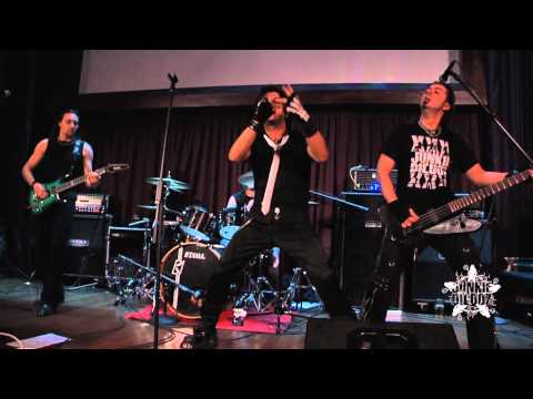 "Junkie Dildoz - ""I'M A Gun"" + ""Woman Be My Mistress"" Live@Hard Rock Cafe Florence"