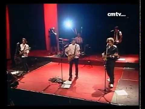El Cuarteto de Nos video El hijo de Hernández - CM VIVO 02/12/2009