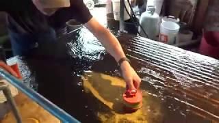 Юкон 2017 Доводка Полом концентрата на вибро-столе в Доусоне