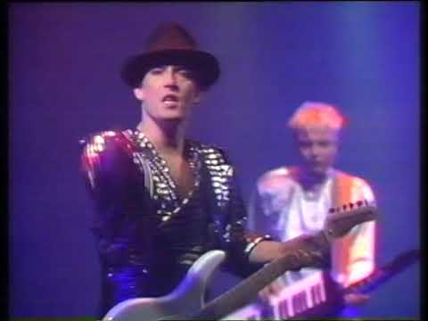 Time Bandits - Listen To the Man With the Golden Voice (Countdown, 17th March 1985)