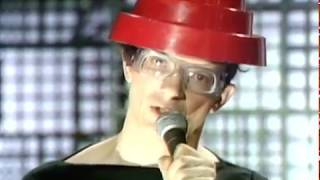 Devo - Girl U Want (Live on Fridays 1980)