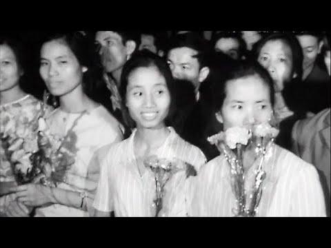 Отъезд на родину вьетнамских юношей и девушек - выпускников советских ПТУ 2.08.1974