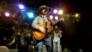 "Aaron Watson ""All American Country Girl"" clip"