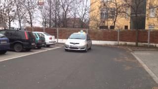 Jobbra, Előre Parkolás