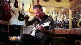 Metallicas <b>James Hetfield</b> At Guitar Center
