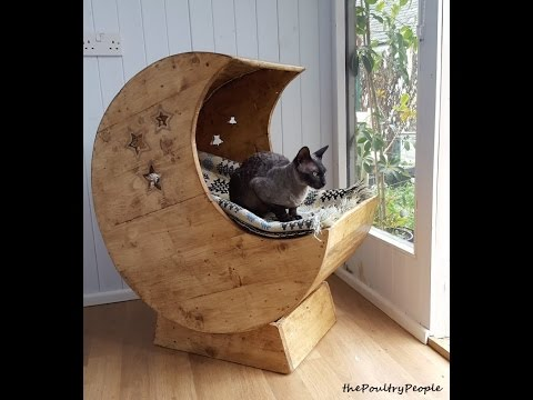 Pallet Wood Furniture Projects  - DIY Moon Cradle for Cats!