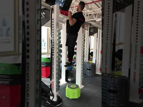 The Science Gym Exercise - Band assisted pull up