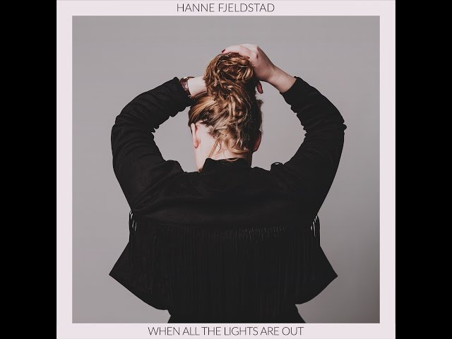 Hanne Fjeldstad / This Isn't the Way (live & acoustic)