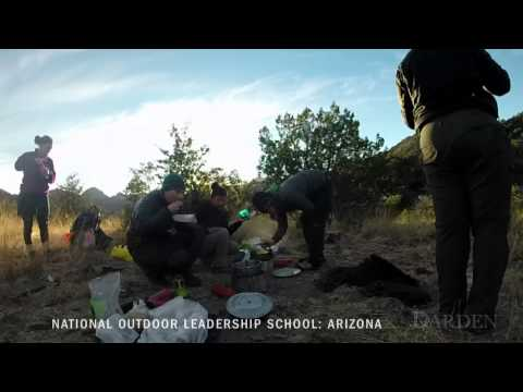 Darden MBA Students Hike Through Arizona with the National Outdoor Leadership School