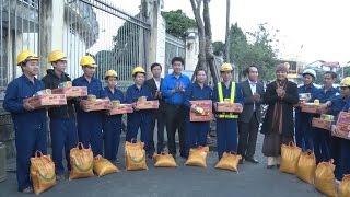 Thủ tướng kiểm tra công tác tại Chi cục Hải quan cửa khẩu Tân Sơn Nhất