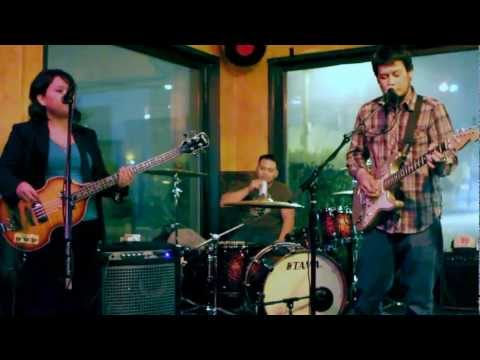 Astropop 3 -  Caroline   Nov 5, 2011   Taphouse